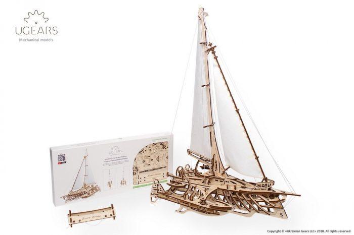 Trimaranas laivo modelis