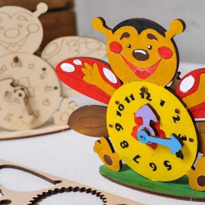Laikrodis 3D modelis spalvinimui